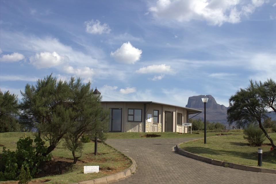 Witsieshoek Mountain Lodge Road To Bungalow