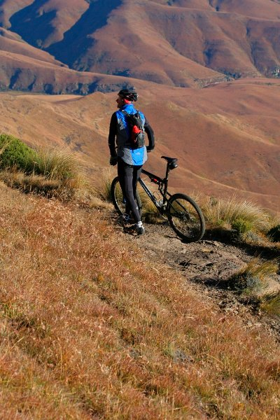 mountain-biking-in-the-mountains