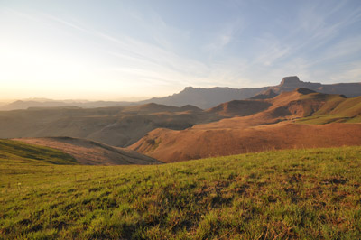 drakensberg hiking trails