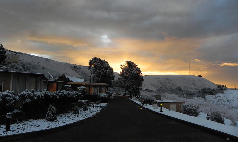 Sunset-on-Snowdays